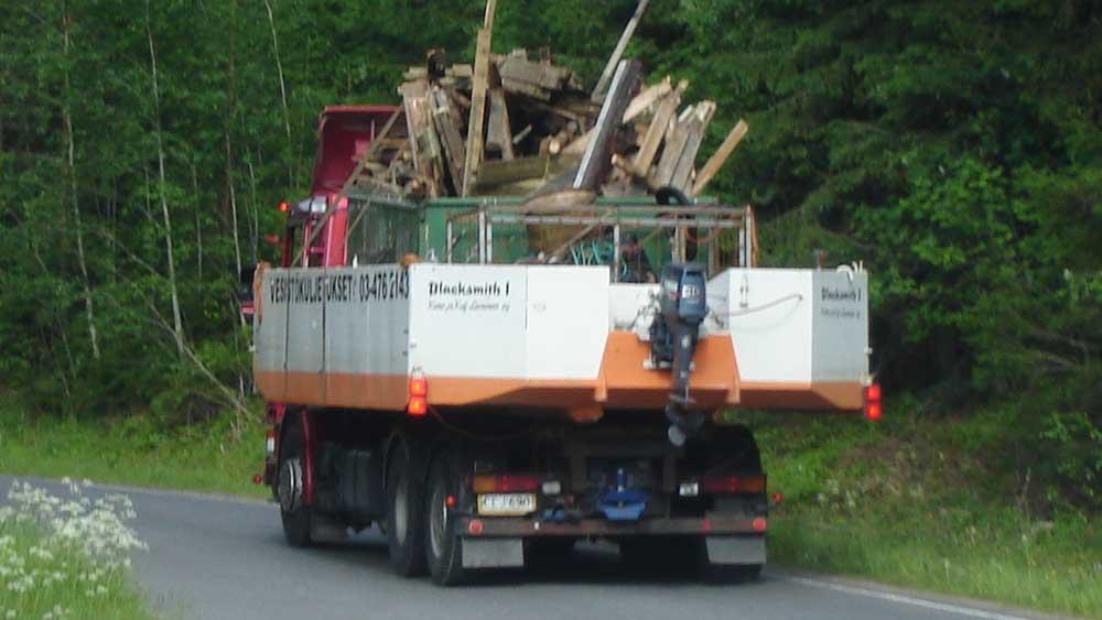 Rakennusjätteen kuljetusta ja käsittelyä