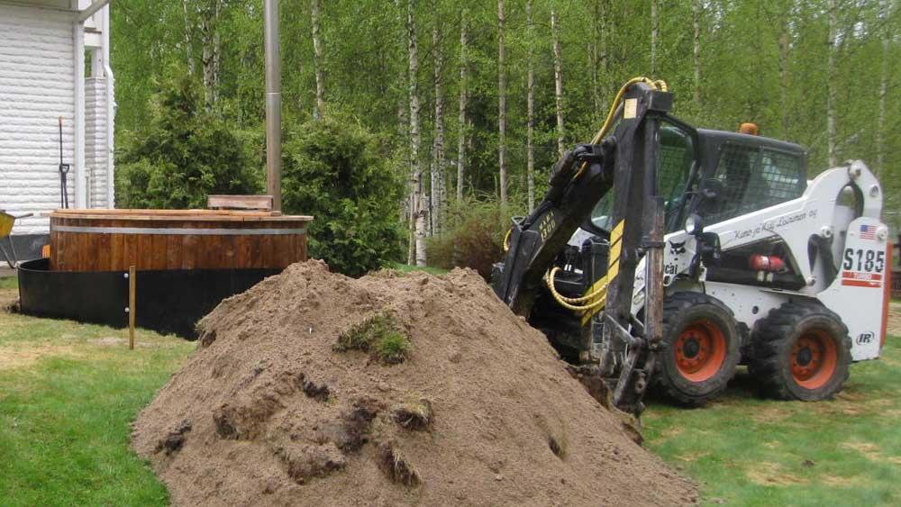 Kaivuutyöt myös pienissä pihoissa